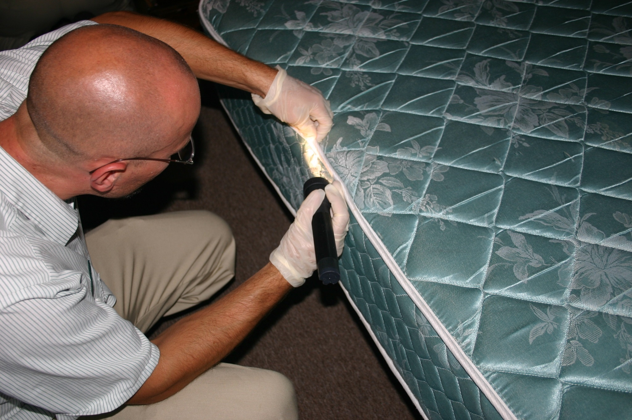 Inspection of Mattress Seam